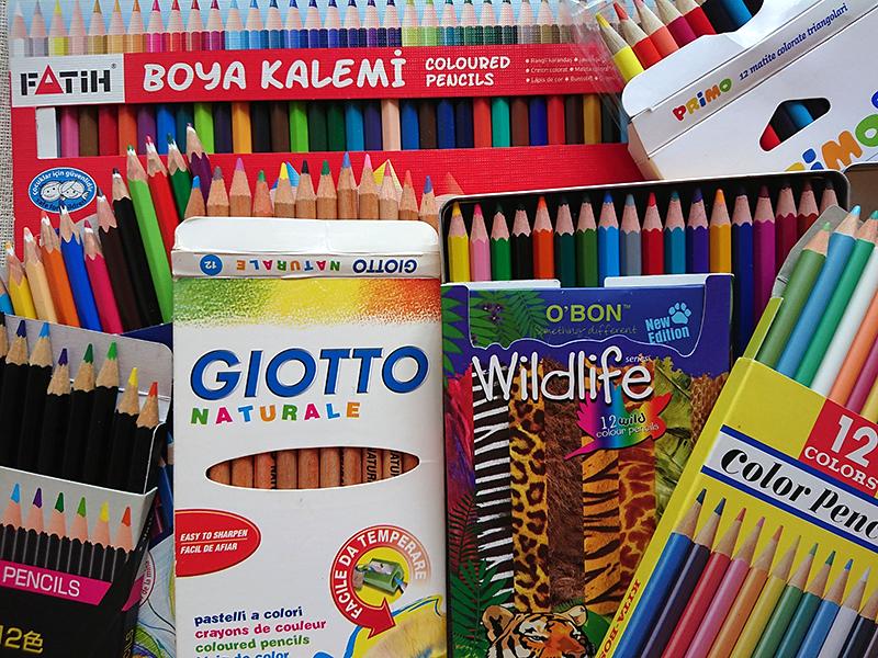 旅先で色鉛筆を買おう